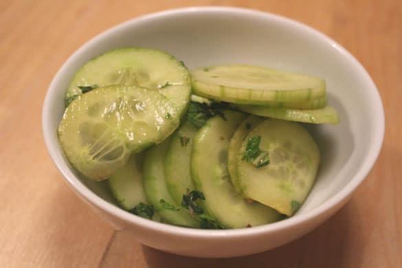 gurkensalat-mit-Minze