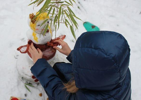 spielen-mit-schnee